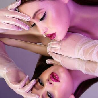 """mirror mirror on the wall, who's got the fanciest lashes of them all?""  the lashbabes of course 😌  #lashbabes #lashextensions #lashlift #forlashbabesonly #lashartist #lashboomlove #lashmodel #lashobsessed"